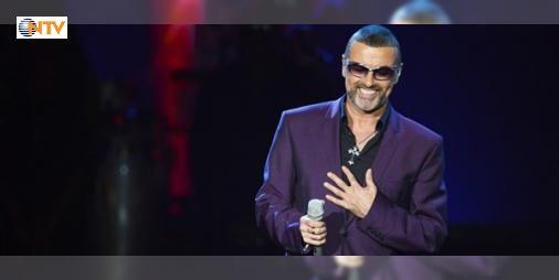 """Ünlü pop yıldızı George Michael hayatını kaybetti : Pop müzik dünyasının en ünlü isimlerinden George Michael 53 yaşında hayatını kaybetti. Michael """"Careless Whisper"""" ve """"Last Christmas""""gibi birçok ünlü şarkıya imza attı.  http://www.haberdex.com/sanat/Unlu-pop-yildizi-George-Michael-hayatini-kaybetti/140775?kaynak=feed #Sanat   #Michael #hayatını #ünlü #kaybetti #George"""