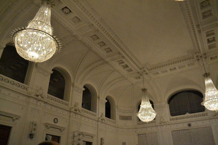 Белый зал Политехнического
