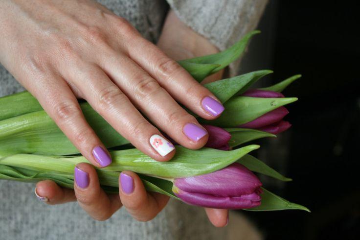 Hybrydowy manicure na wiosnę z lakierami Semilac glowlifestyle.pl