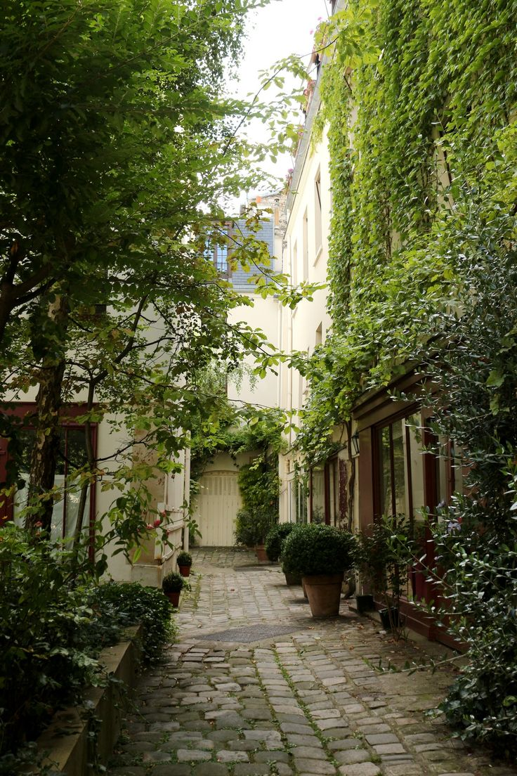 Cour du Bel Air, Paris XIIè
