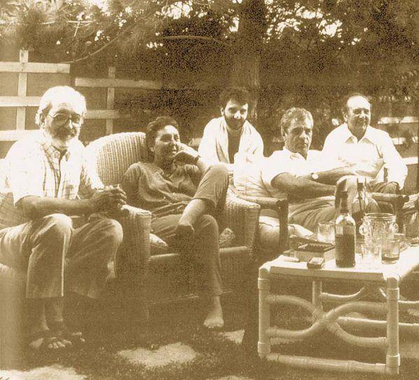Ángel González con Joaquina Hoyas, Manuel Lombardero hijo, Juan Marsé y Manuel Lombardero.