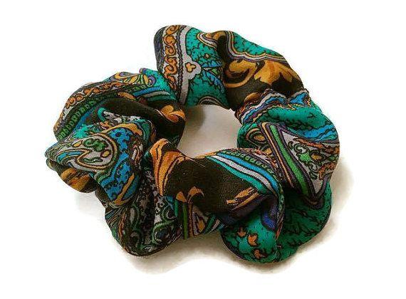 Green Silk Scrunchie  Oscar de la Renta Material by shoppejuju