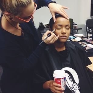 The make up challenge starts their day with a cup of Vida e caffe