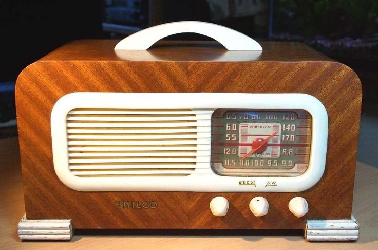 PHILCO Model 41-221 Art Deco Radio (1941). Wood with white plastic trim, 13.5 x 7.5 x 6 in. via RadioAge on Etsy