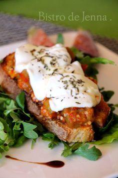 Tartine gratinée aubergine, tomate et chèvre frais Plus