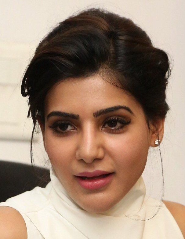 Tamil Actress Samantha Smiling Face Close Up Gallery