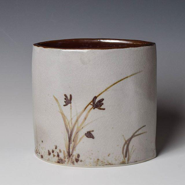Hand built ceramic vase with oxide painting and #shinoglaze. #budvase #ceramicvase #ceramics #pottery #craftsposure #ceramiclife #crafts #claycreations  #handmade #art #etsyseller #instapottery #vase #maker #ceramicart #clayart #vessel