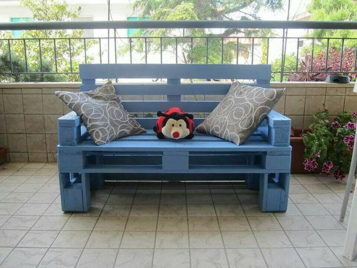 17 migliori idee su pallet di legno divano su pinterest - Mobili con bancali di legno ...
