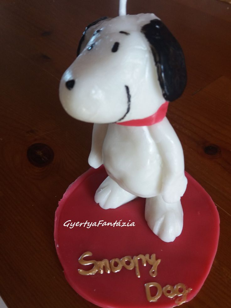 Snoopy Dog candle