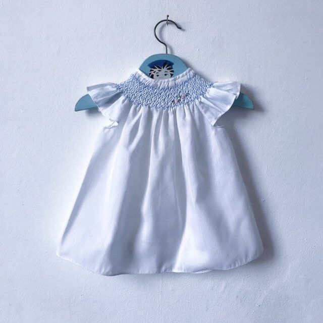 Excited To Share This Item From My Etsy Shop Vintage Smocked Baby Dress In White And Blue With In 2020 Vintage Baby Dresses Trendy Baby Clothes Smocked Baby Dresses