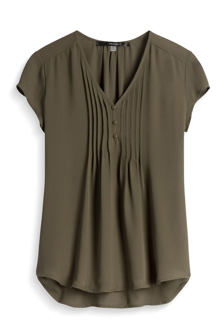 I like this, even the color. I might like it better in another color, but I can see pairing this with jeans.