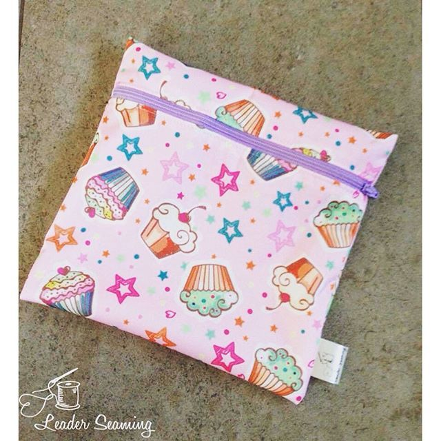 Live over on the blog at www.leadersews.com is the 15 minute sandwich bag! Go grab it now! #leadersews #gogreen #reusable #lunchbag #pul #diapersewingsupplies #saharafabrics