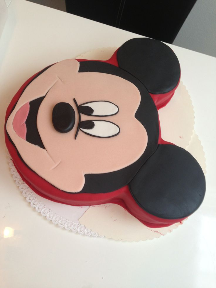 die besten 25 mickey mouse torte ideen auf pinterest mickey mouse geburtstagstorte mickey. Black Bedroom Furniture Sets. Home Design Ideas