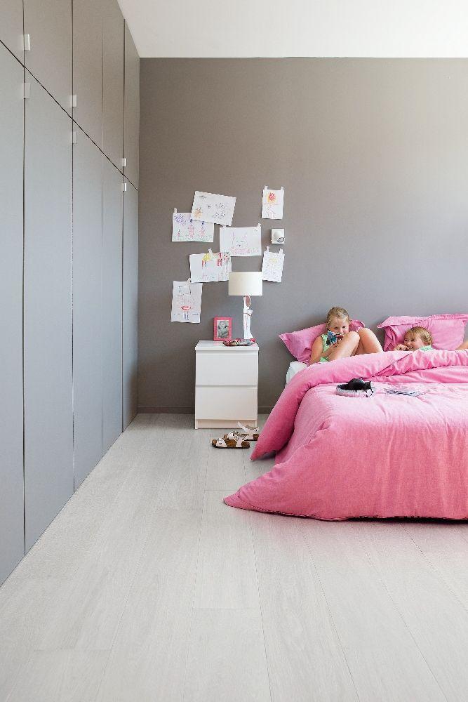 Vinyl vloer met houtlook licht grijs eiken - Viligno light grey oak #slaapkamer