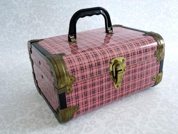 Pink Plaid Metal Train Case  /  Metal Plaid di SwirlingOrange11