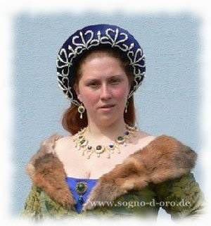 Burgund detail vneck gown with balzo 1400 tal pinterest for Cama 0 90 x 1 90