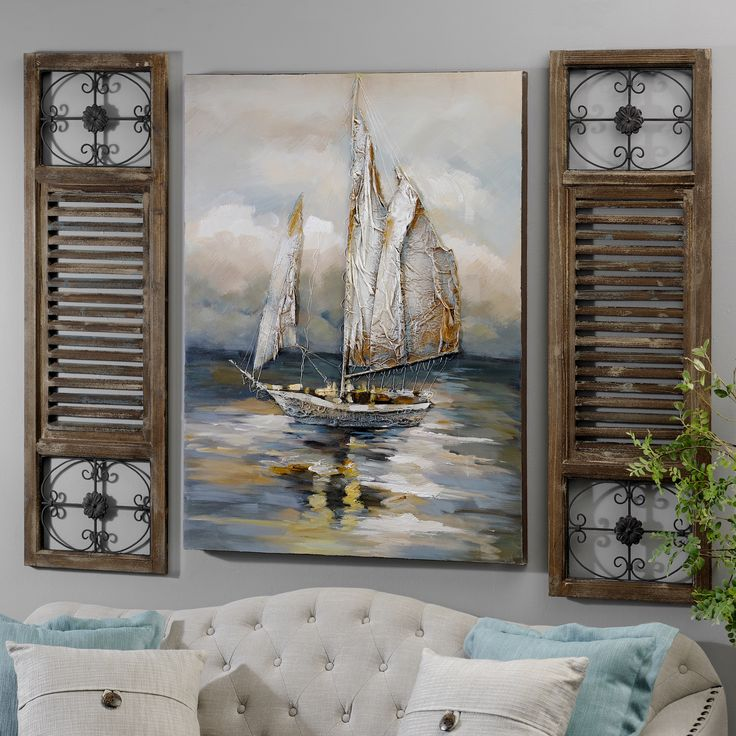 Pairing wooden wall plaques with coastal art is a perfect combination! Whether you're living in a beach house or just want to celebrate the sea, using natural wood textures and themed art will make you feel calm and relaxed.