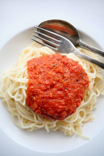 Ein Favorit für die schnellste, einfachste, frischeste, aromatischste - und damit weltbeste - Tomatensoße ...