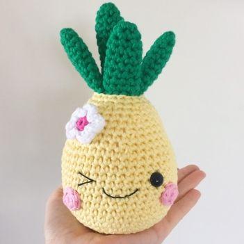 Happy Pineapple amigurumi pattern by Super Cute Design