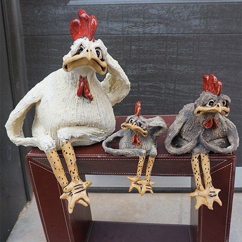 Christopher Park Gallery :: Pottery :: Mazi :: Mazi Character Chicken Sitting CP631