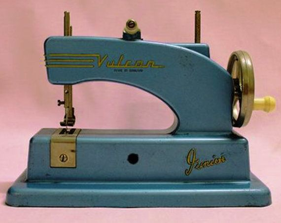 VULCAN 1950s Junior Sewing Machine, Collectable, Vintage, Childrens Sewing, Mechanical, Fully Working, made in England RAREx