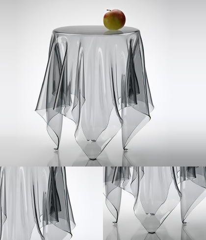 透明なテーブルクロスだけで立っているかのような イリュージョンチックなデザインが印象的。 円形サイドテーブル エッセイ・イリュージョン クリアです。