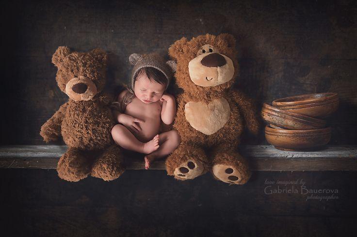 #newborn #photo #composite Newborn baby on #shelf with stuffed #bears #jacksonvillenewbornphotographer #fineart #vintage #novorozenec #jax #PVB Jacksonville Newborn Photographer| Baby Photo Plans| | Jacksonville Newborn Photographer|Maternity|Baby|Children Portraits|Ponte Vedra