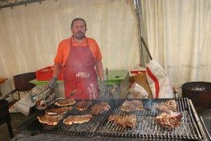 Festa della bistecca marchigiana a Casinina di Auditore, provincia di Pesaro e Urbino. 7 e 8 giugno 2014.