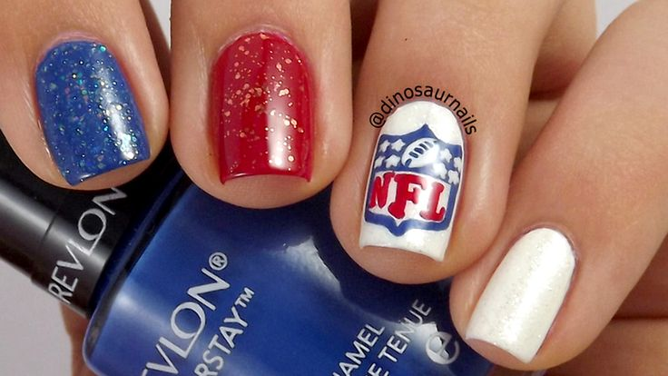 Got Super Bowl fever? Paint on a 'fan-icure' for the big game!