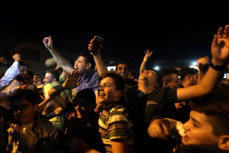 Militäreinsatz bei Mossul: Christen feiern Vertreibung desIS aus Karakosch - SPIEGEL ONLINE - Politik