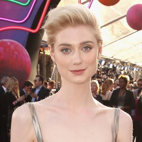 Elizabeth Debicki To Play Princess Diana In The Crown S Final Seasons E Online In 2020 Elizabeth Debicki Princess Diana The Crown Season