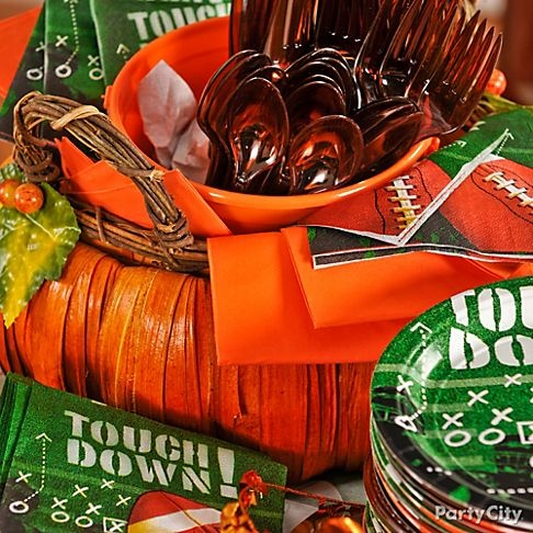 You'll get a first down for this simple, functional and decorative idea: turn cutlery into a table decoration. Click for a feast of Thanksgiving football party supplies.