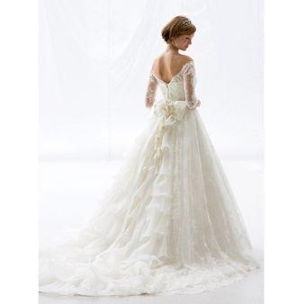 ブライダルハウスTUTU(チュチュ):【ベルーナ】透明感のある素材と美しいラインがエレガントに花嫁を演出☆