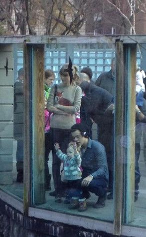 Taylor Swift, Harry Styles, OMG so cute! (they're with his stylists baby