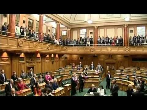 "New Zealand Legalizes Gay Marriage; Spectators Sing Love Song ""Pokarekare Ana"" For Lesbian Lawmaker (VIDEO)"