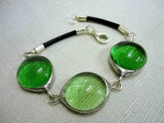 Green Glass Bead Bracelet // Stained Glass Bracelet // Tiffany Glass // CLICK TO SEE MORE!