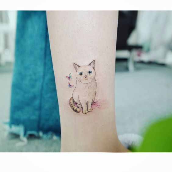 45+ tatouages de chat les plus mignons.