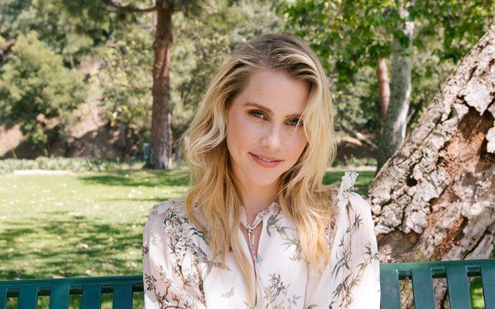 Lataa kuva Claire Holt, australialainen näyttelijä, muotokuva, hymy, kauniit blondit, kesällä