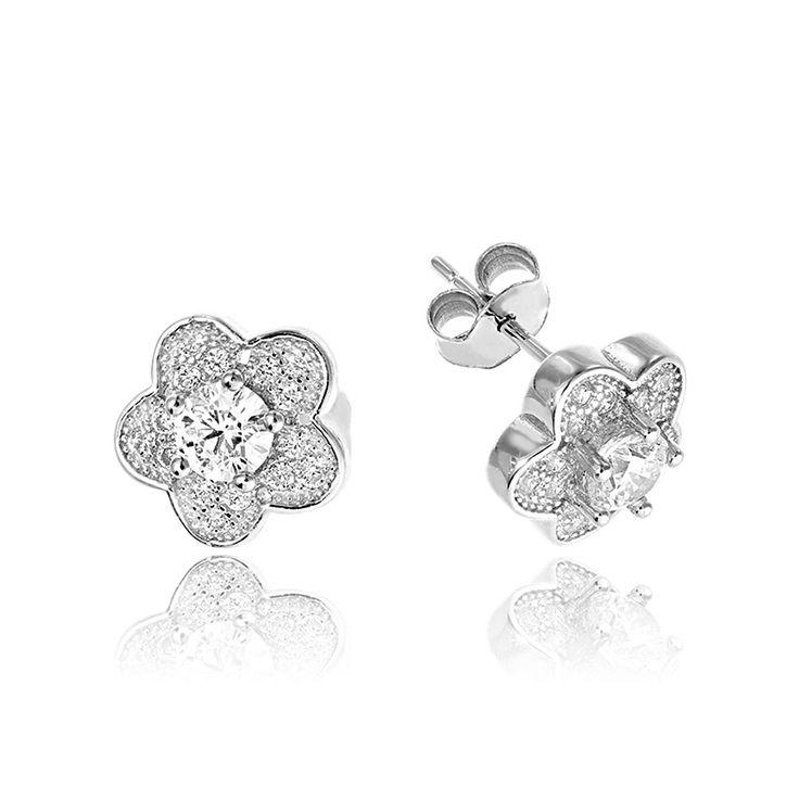 Cercei argint Surub Mici Zirconii Cod TRSE079 Check more at https://www.corelle.ro/produse/bijuterii/cercei-argint/cercei-argint-surub-mici-zirconii-cod-trse079/