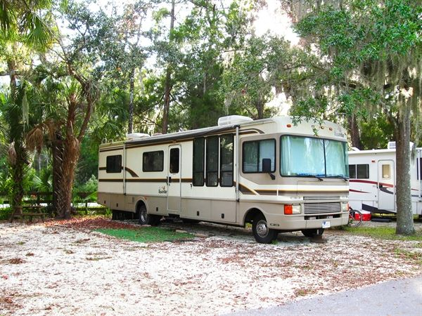 Homosassa River Carefree RV Resort in Florida - Tucked alongside the Homosassa Springs Wildlife Park, you're a step away from outdoor paradise and the world-famous Crystal River. 225 full-hookup sites, DirectTV, great on-site amenities, fun family park activities & even an RV parts store!