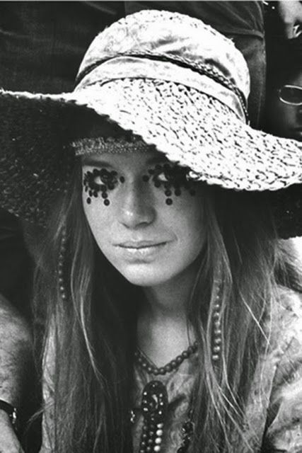 Girls of Woodstock: The Best Beauty and Fashion from One of the Biggest Rock Festivals of All Time