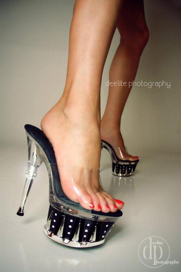 Sexy shoe leg