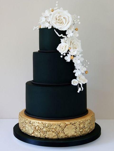 54 Black, White And Gold Wedding Ideas | HappyWedd.com #PinoftheDay #black #white #gold #wedding #ideas