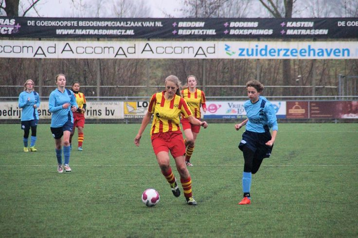 Op woendsdagavond was er bij Go-ahead Kampen een meetrainavond voor meisjes die interesse hebben om te gaan voetballen. Vooral bij de jongste jeugd maakten veel meisjes gebruik van de mogelijkheid om het een keer te proberen. Vrouwenvoetbal, en daarbij dus ook meidenvoetbal is de snelst...