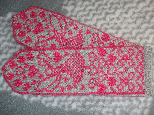 Ravelry: Fairy in love mittens pattern by Marja Viitaniemi
