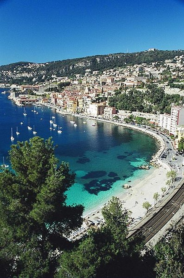 Villefranche-sur-mer, France - Pearl of the French Riviera - photo by Lliouza