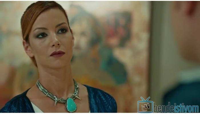 Star TV yayınlanan Medcezir dizisinde  Sedef Kaya karakterini canlandıran Defne Kayalar'ın, 42. bölümünde giydiği Agate taşlı okyanus kolyesi