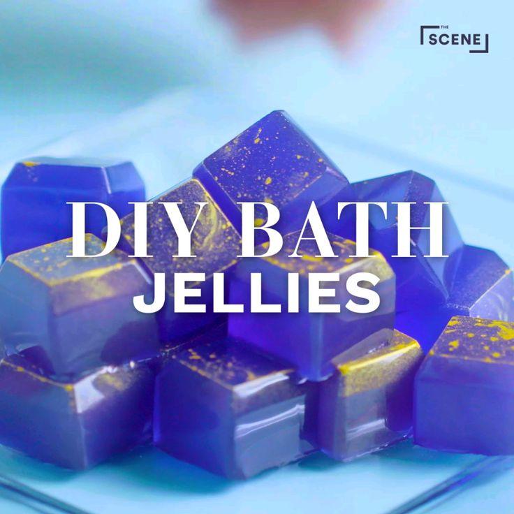 How to make homemade galaxy bath jellies