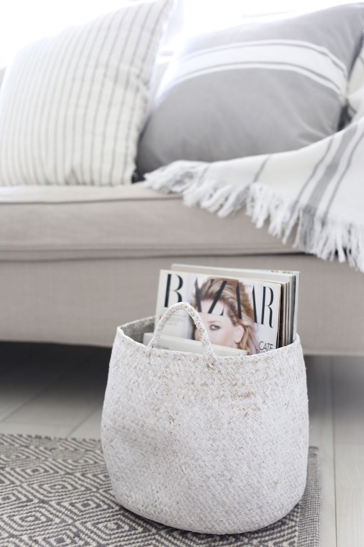 Basket for magazines. Homevialaura | summer vibes in living room | Kodin1 | Anno