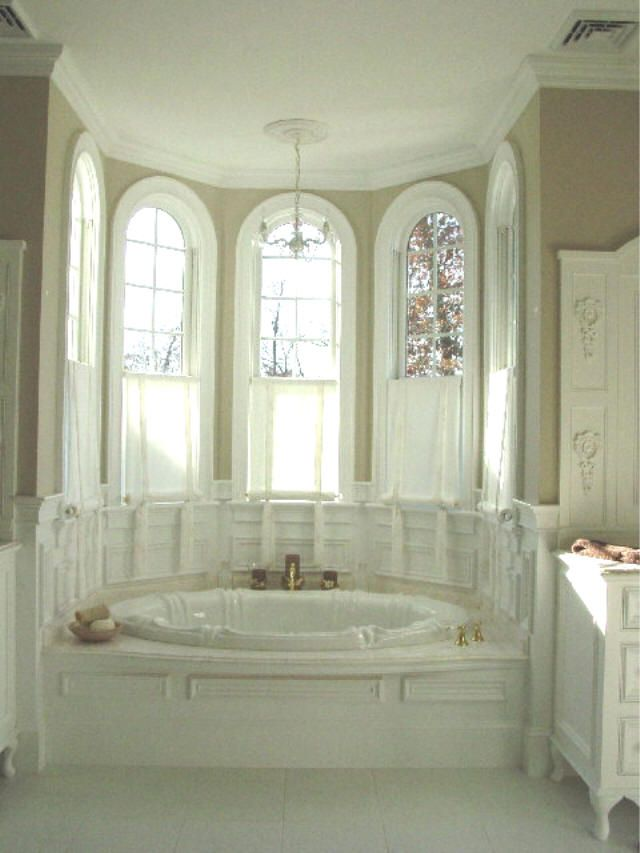 I would honestly probably never get out of a tub/bathroom like this....